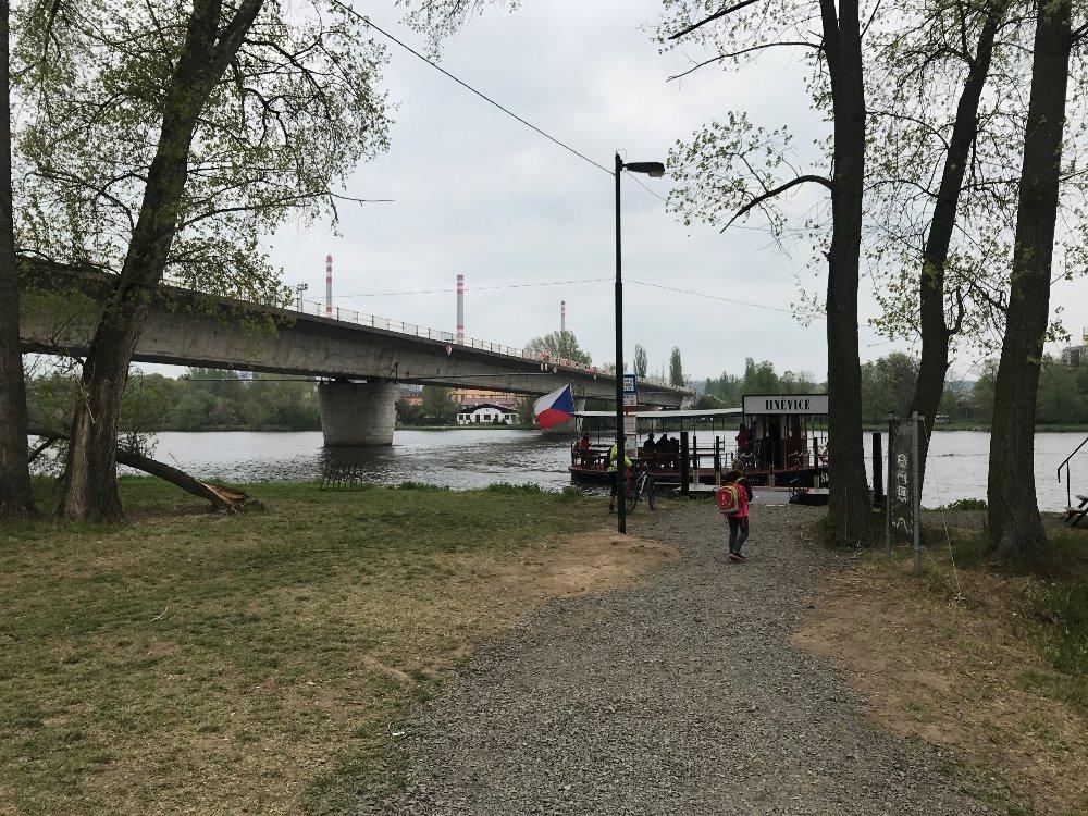 Zvedání mostu Štětí